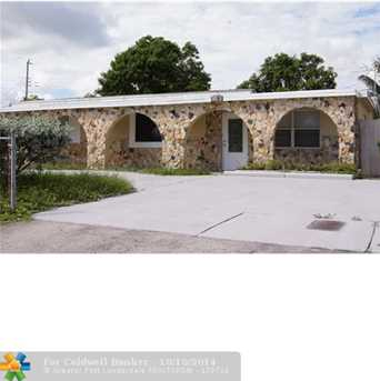 1031 NW 10th Ter - Photo 1