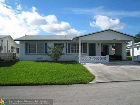 4618 NW 47th St - Photo 1