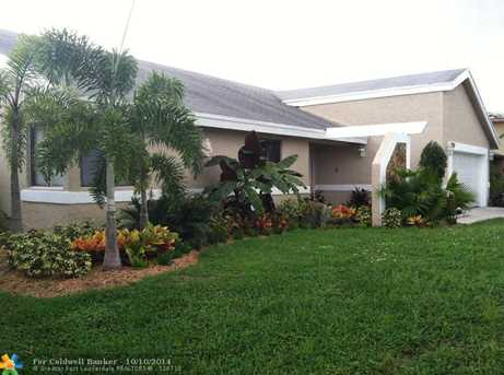 7120 NW 45th St - Photo 1