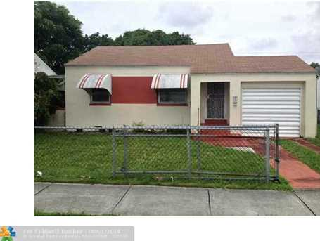 742 NW 74 St - Photo 1