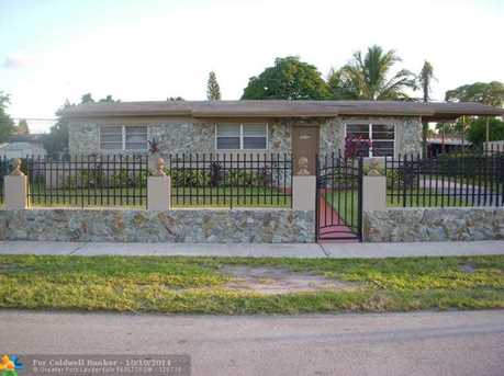 4030 NW 195th St - Photo 1