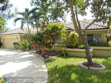 10610 NW 6th St - Photo 1
