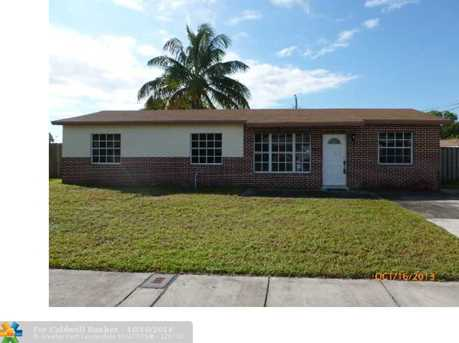 4410 SW 22nd St - Photo 1