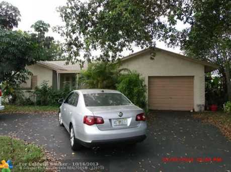 8111 NW 91st Ter - Photo 1
