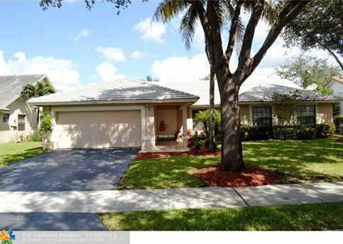 9945 NW 48th Dr - Photo 1
