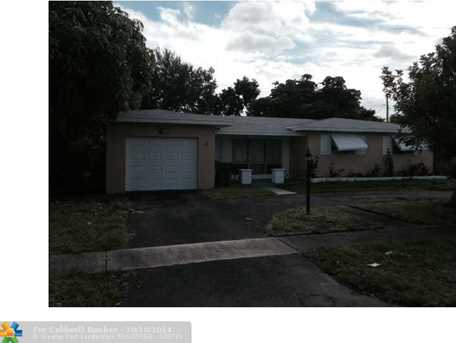 621 SW 69th Ave - Photo 1