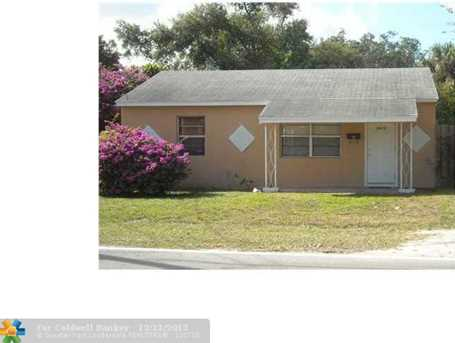 1017 SW 15th Ave - Photo 1
