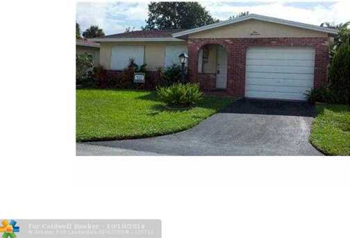 1000 NW 48th Pl - Photo 1