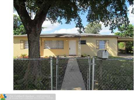15740 NW 28th Pl - Photo 1