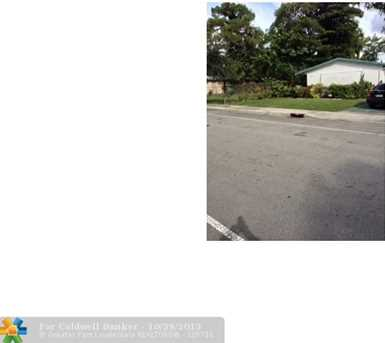 2779 NW 9th Pl - Photo 1