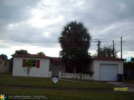 437 NW 70th Way - Photo 1