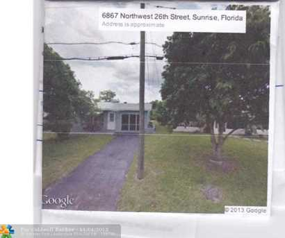 6848 NW 26th St - Photo 1