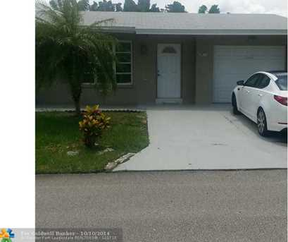 4922 NW 54th St - Photo 1