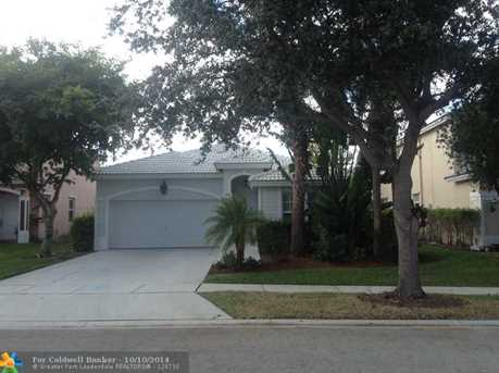 7603 NW 70th Ave - Photo 1