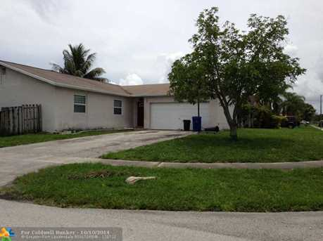 10940 NW 21st St - Photo 1