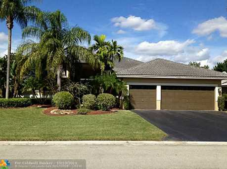 10921 NW 55th St - Photo 1