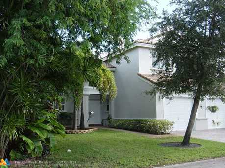 4928 SW 33rd Ave - Photo 1