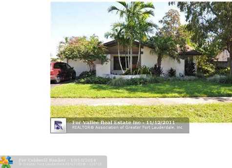 1011 SW 50th Ave - Photo 1