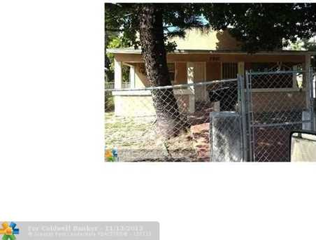 2901 NW 46 St - Photo 1