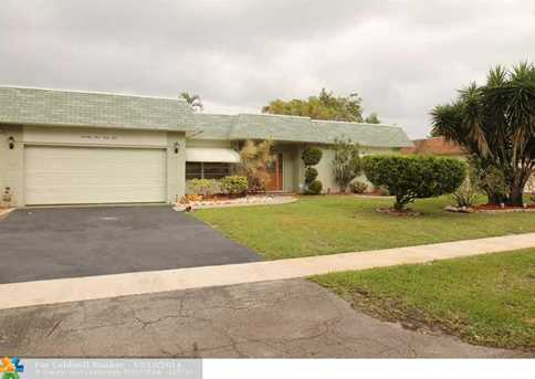 7441 NW 12th St - Photo 1