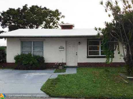4903 NW 26th Ter - Photo 1
