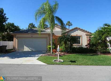 611 NW 47th Ave - Photo 1