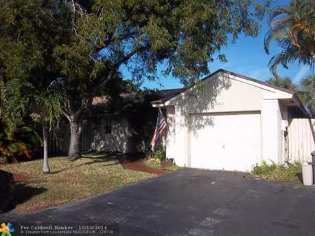 3833 NW 107th Wy - Photo 1