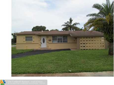 5031 NW 14th St - Photo 1