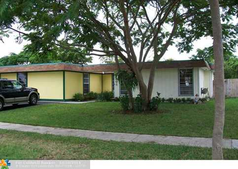 7801 NW 68th Ave - Photo 1