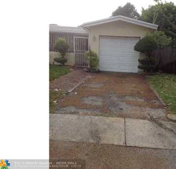 3611 NW 35th Ter - Photo 1