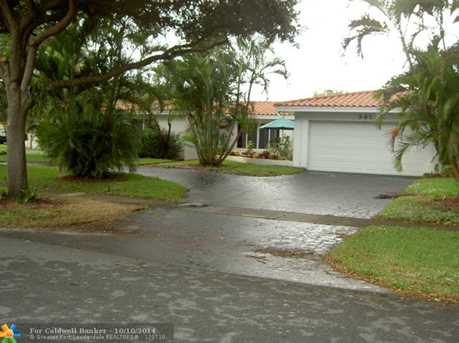 341 SW 57th Ave - Photo 1
