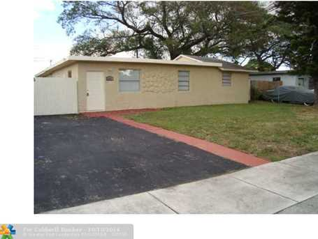 2443 NW 6th Ct - Photo 1