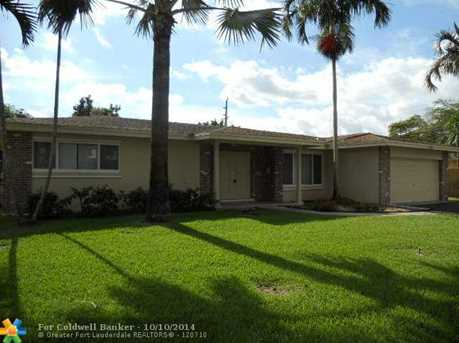 7540 NW 15th St - Photo 1