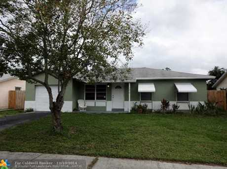 1010 SW 83rd Ave - Photo 1