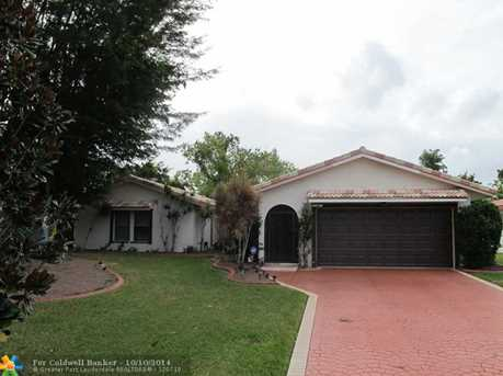 11040 NW 37th St - Photo 1