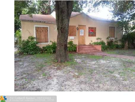 775 NW 63 St - Photo 1