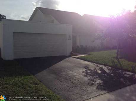 9350 NW 39th St - Photo 1
