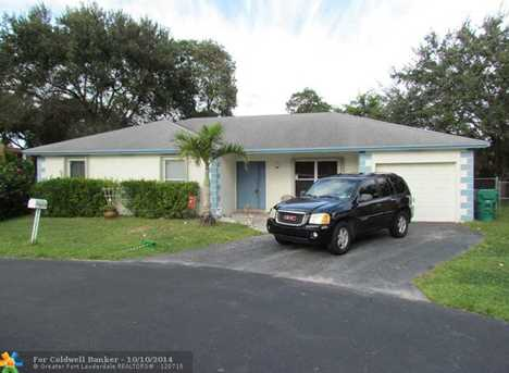 1002 SW 119th Ave - Photo 1