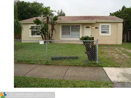 1831 SW 67th Ter - Photo 1