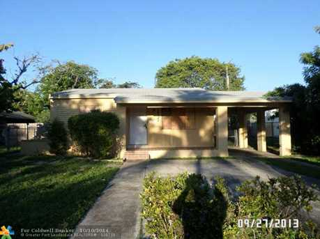 1537 NW 2nd Ave - Photo 1