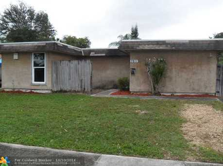 7811 NW 66th Ter - Photo 1