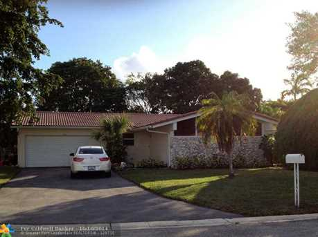 11766 NW 28th St - Photo 1