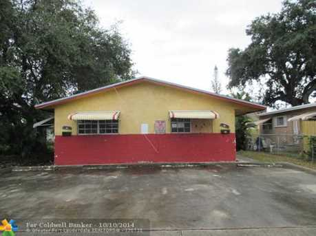 517 NW 3rd Ter - Photo 1