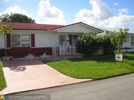4604 NW 49th St - Photo 1