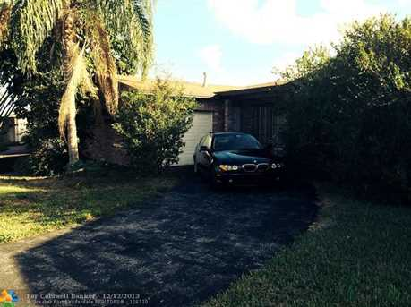 11620 NW 31st St - Photo 1