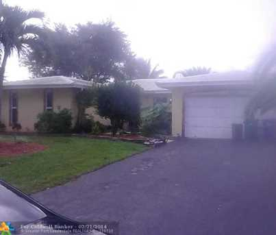 8592 NW 7th St - Photo 1