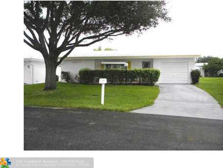 8831 NW 16th St - Photo 1