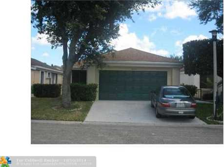 1940 NW 39th Ave - Photo 1