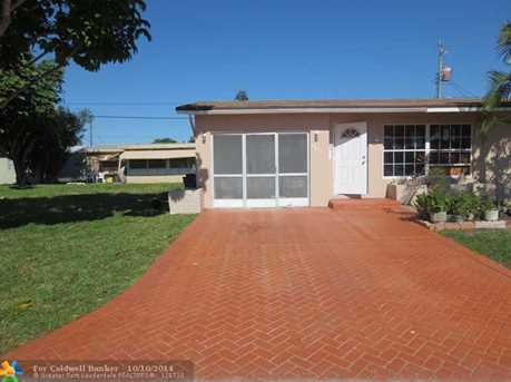 6877 NW 27th Ct - Photo 1