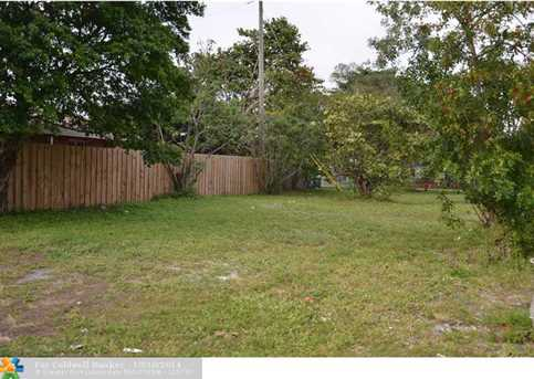 1601 NW 7th St - Photo 1